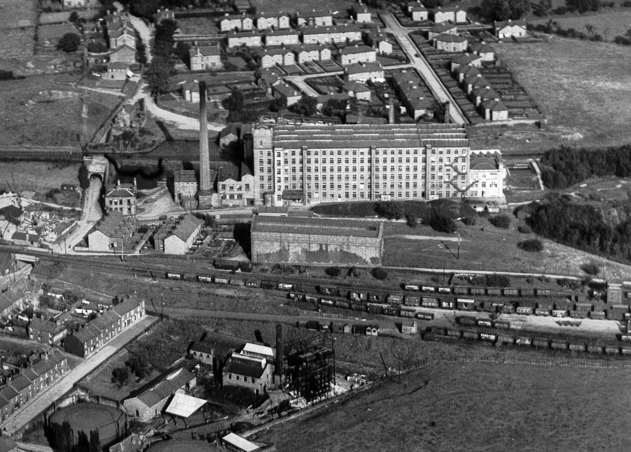 The Adelphi Mill, August 1930 (click to enlarge)